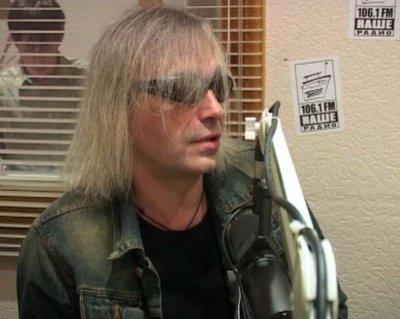 1 сентября 2004 - Кинчев в эфире Нашего радио (г.Томск)