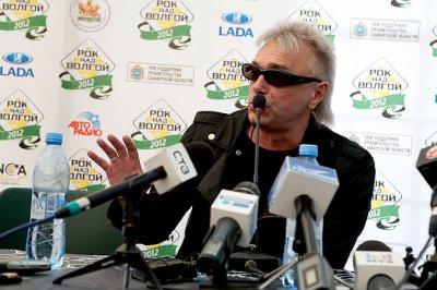"""11 июня 2012 - Самара - Пресс-конференция на фестивале """"Рок над Волгой"""" (перед выступлением)"""