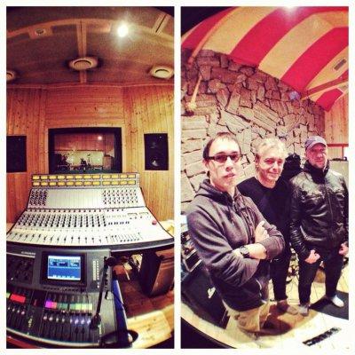 """28 сентября 2012 - Перед своим концертом (группы """"25/17"""") Бледный и Ант побывали в гостях на студии группы АлисА"""