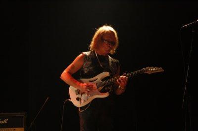 22 апреля 2011 - Игорь Романов принимает участие на концерте группы НЭП