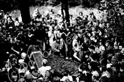 31 августа 1991 - Похороны Майка Науменко -Ленинград, Волковское кладбище