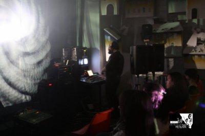 4 августа 2001 - Видео-компьютерный синтез «Страсти по Алисе». Проект Театра Живыхъ. Автор - художник Андрей Мельник