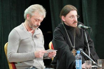 31 марта 2011 - В рамках Общедоступного православного лекторя состоялась встреча с Константином Кинчевым (упоминание об альбоме «20.12»)