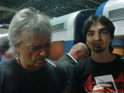 30 мая 2009 - К.Кинчев на Казанском вокзале (Москва) перед выездом в Воронеж