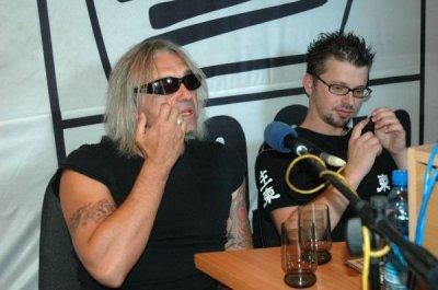 26 июня 2005 - Кинчев и Илья Чёрт (Пилот) в эфире «Нашего радио» (Нижний Новгород)