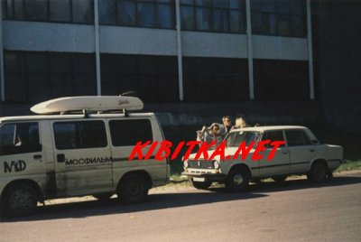 15 августа 1995 - Константин Кинчев почтил память Виктора Цоя на Богословском кладбище