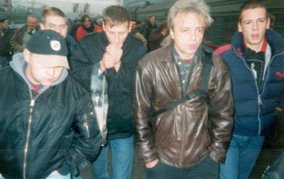 25 ноября 2002 - К.Кинчев на Киевском вокзале (Москва)