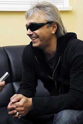12 апреля 2007 - Беседа с К.Кинчевым после концерта в ДК НАУ (Киев)