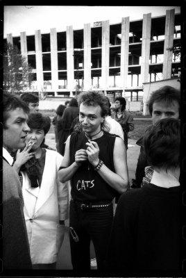 31 мая 1986 - Константин Кинчев и Виктор Цой впервые вместе посидели