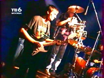 """1 сентября 1995 - К.Кинчев посещает концерт группы """"Ковчег"""""""