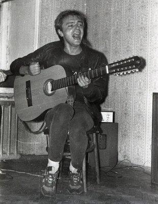 май-июнь 1986 - Квартирник - Ленинград - Кинчев, Самойлов и Кондратенко (выселки на Мойке)(Акустика)