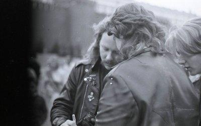 28 сентября 1991 - Кинчев и Чумычкин на концерте Metallica и AC/DC в Тушино