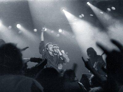 12 марта 1991 - В выступлении Алисы на VIII РОК-фестивале ЛРК принимает участие Святослав Задерий