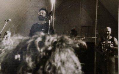 весна 1990 - Чумычкин участвует в концертах ДДТ в Новгороде и Пскове