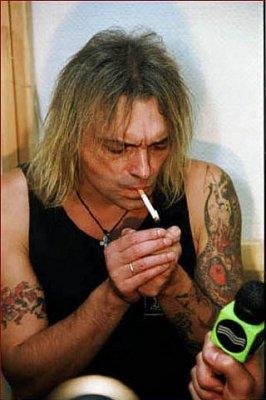 16 декабря 2000 - Интервью с К.Кинчевым в гримёрке сразу после концерта для Радио «Рокс», программа «Русский Рок», ведущая - Женя Глюкк